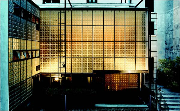 How to Visit the Maison de Verre in Paris | Untapped Cities