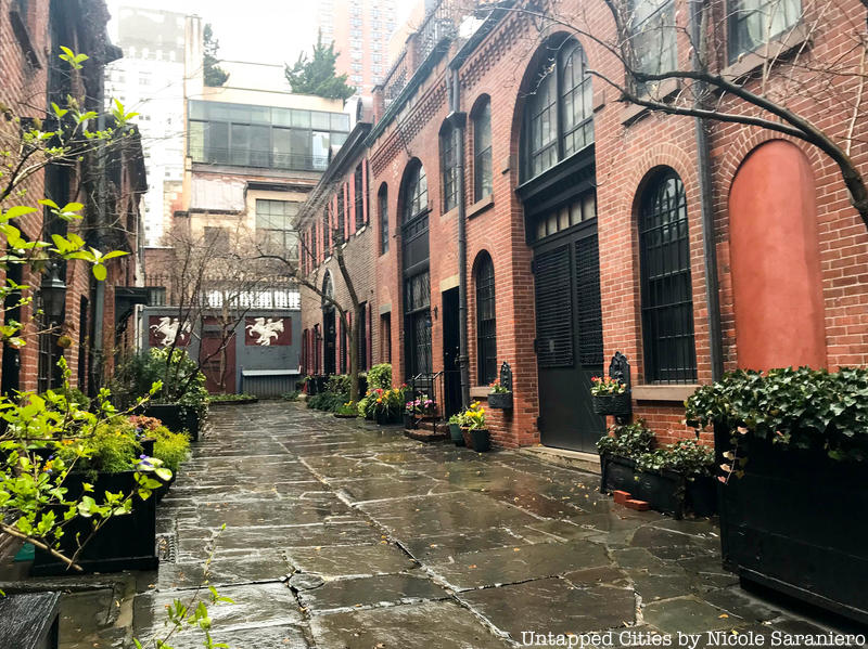 8 Beautiful Historic Districts in Manhattan Smaller Than One Block