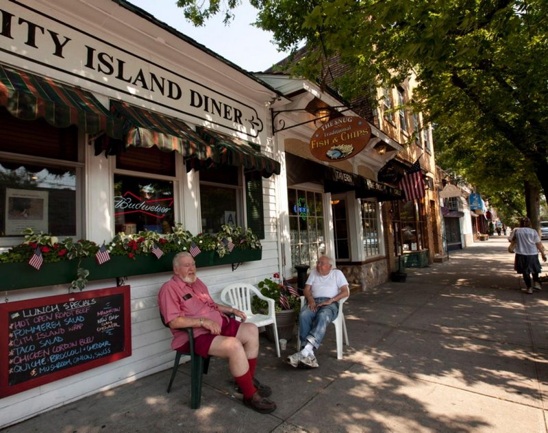 1-city-island-diner-bronx-quaint-maritime-nyc