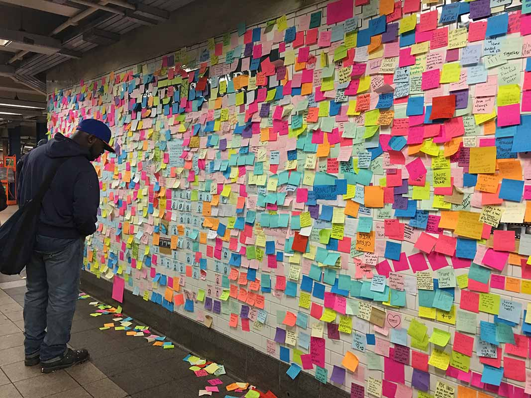 Governor Andrew Cuomo Adds Post-It Note to Union Square Subway Therapy Project