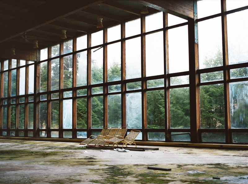 Borcht Belt-Abandoned Jewish Vacation-Catskills-Upstate New York-Marisa Scheinfeld- Stefan Kanfer and Jenna Weissman-001