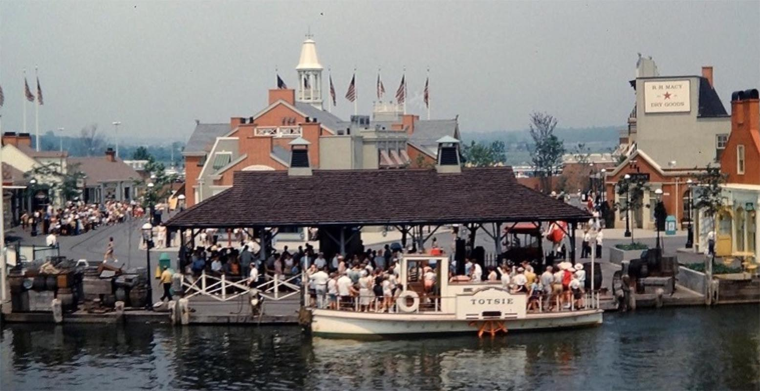 Rare Color Photos of Freedomland, NYC's Grandiose Lost Amusement Park